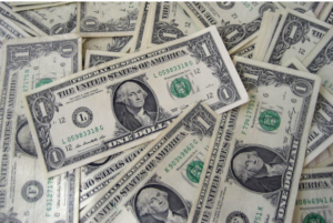 Le dollar américain est la monnaie la plus forte du monde